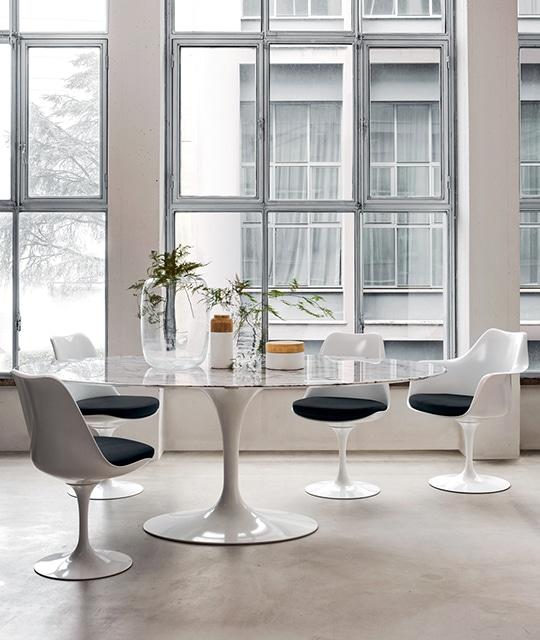 mobilier table et chaises tulip knoll