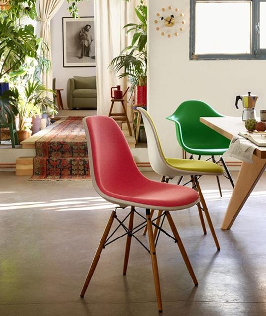 mobilier plastic chairs de vitra